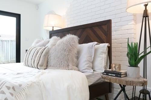 Chevron motif headboard rustic farmhouse bedroom
